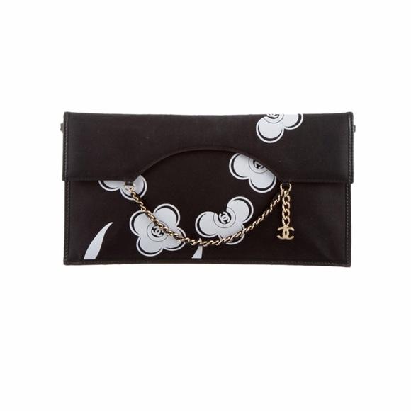 CHANEL Handbags - Chanel Camellia Clutch